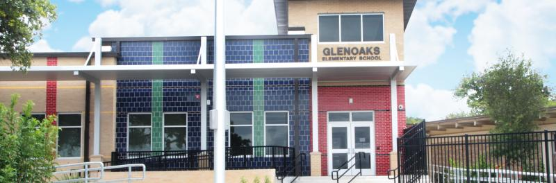 Front entrance to Glenoaks Elementary